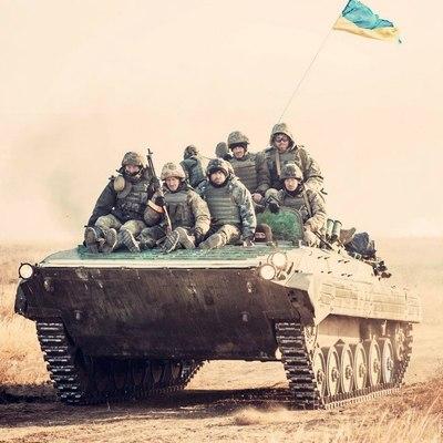 Возле аннексированного Крыма прошли масштабные учения ВСУ (Фото)