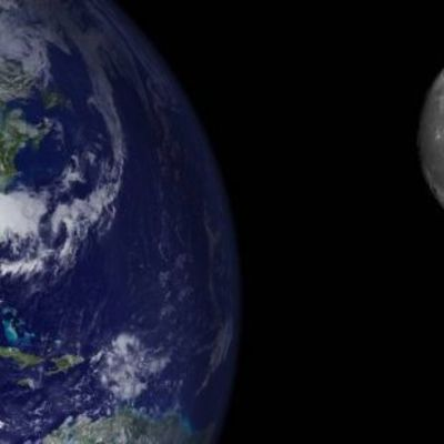 Ученые назвали дату падения Луны на Землю