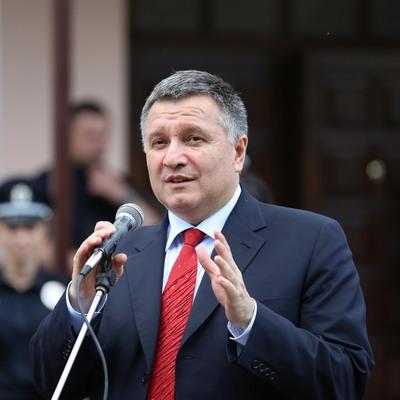 Украинская полиция получит большую скидку на престижные внедорожники - Аваков