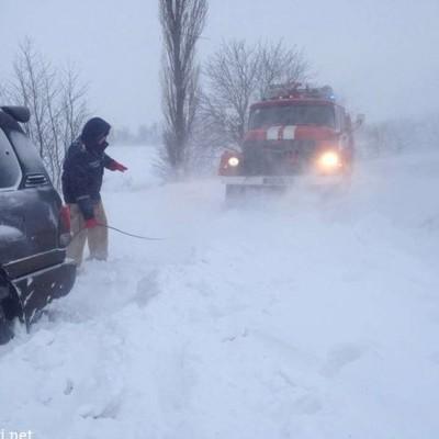 Из-за погодных условий движение на некоторых дорогах ограничено