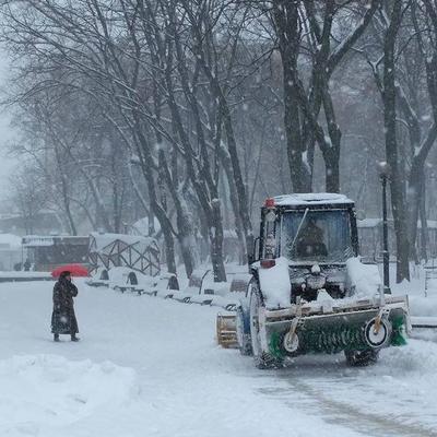 Из-за сильного снегопада в Киеве ввели спецрежим для общественного транспорта