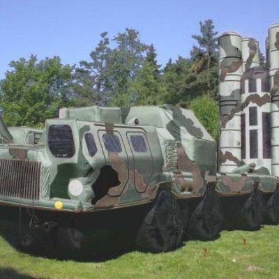 Россия увеличила закупку надувных танков и ракет