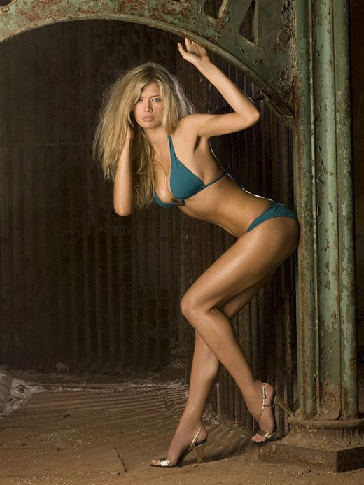 Голые девушки блондинки - фотографии