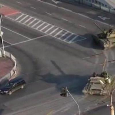 Жители Луганска сообщают о ночной переброске огромной колонны танков