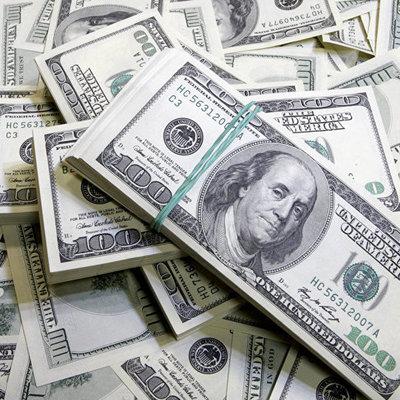 Межбанк закрылся долларом по 27,25 гривни