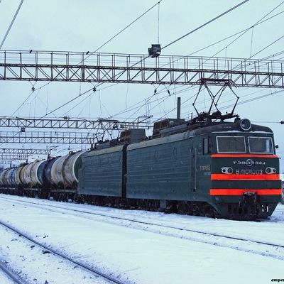 В Киеве произошло столкновение двух поездов (Фото)