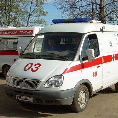 Грузовик сбил электроопору и убил мужчину в Киеве (Фото)