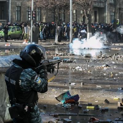 Ранее неопубликованное видео расстрелов на Майдане появилось в сети
