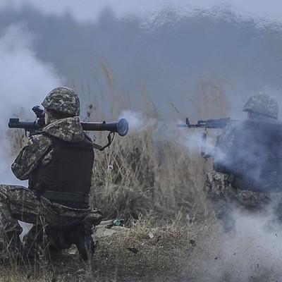 Оккупанты лупили во всех направлениях из тяжелого вооружения