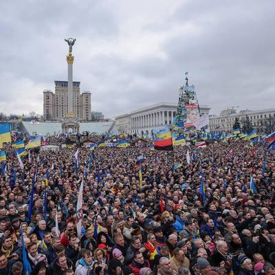 Онлайн-трансляция с центра Киева, где проходят акции памяти Героев Небесной Сотни