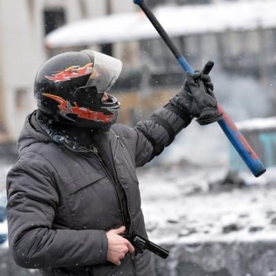 Друг Пескова заявил, что россияне не могут вечно восхищаться возвращением Крыма