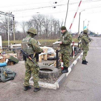Коктейли Молотова и не только: у Авакова показали оружие, изъятое в Кривом Торце (Фото)