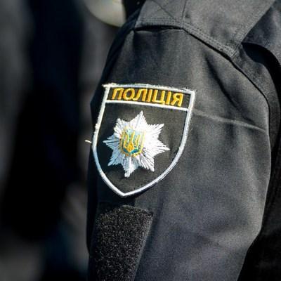 Полицейские жестоко избили мужчину в Киеве (Видео)