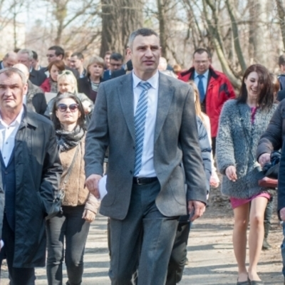 Виталий Кличко главам районов: «Через три недели парки должны быть чистыми и полностью готовыми к сезону»