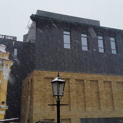 Скандальному театру на Андреевском спуске поменяют «лицо»