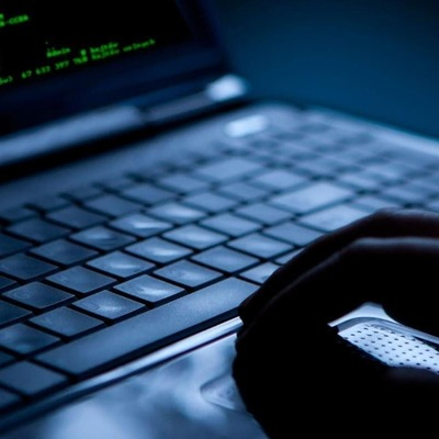Мошенник из Литвы смог обмануть Google и Facebook на 100 млн долларов