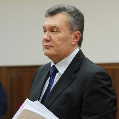 Янукович писал два письма с просьбой ввести российские войска в Украину