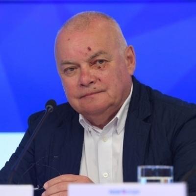 Киселев, в аннексированном Крыму, «проехался» лицом по гравию (фото)