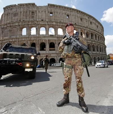 В центре Рима произошел взрыв