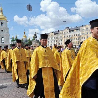 Бунт церковников: Священники по всей Украине выходят на улицы