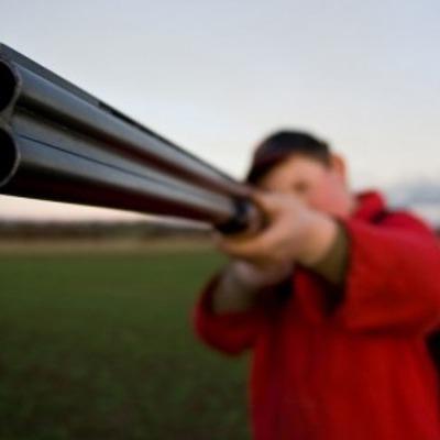 Охотился за лисой: мужчина выстрелил из ружья в мальчика (видео)