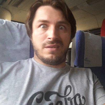 Тут и «Волынская резня», и «бессмертный полк», - Притула о «ватном чтиве» в украинском самолете