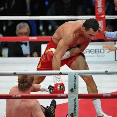 Украинский боксер проведет бой со скандально известным россиянином Поветкиным