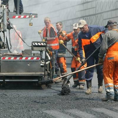 В КГГА сообщили, где ограничат движение из-за ремонта дорог