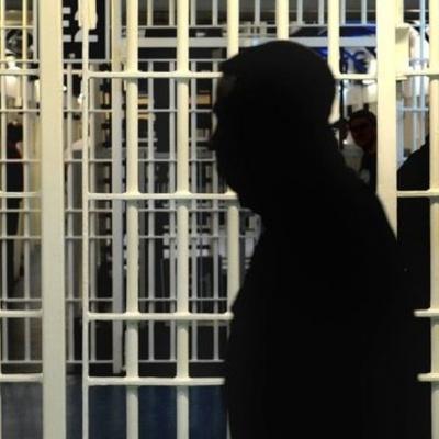 В Великобритании женщина обвинила в изнасиловании 15 мужчин
