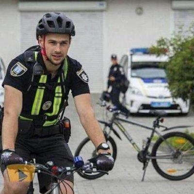 В Ровно патрульные пересели на велосипеды (видео)