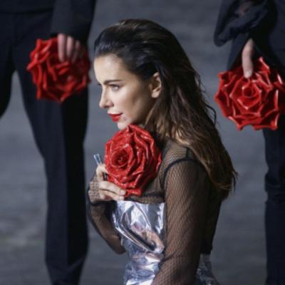 Ани Лорак на съемках в Киеве кардинально изменила имидж (фото, видео)