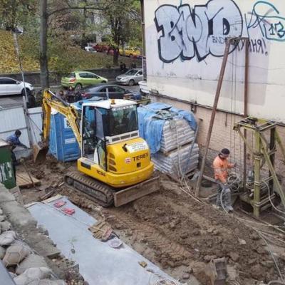 В Киеве возобновили скандальное строительство
