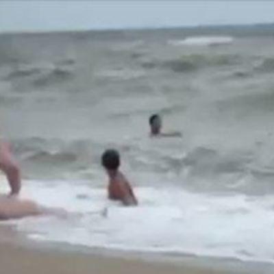Россияне на море без боярышника не ездят: мокрое шоу «взорвало» соцсеть (видео)