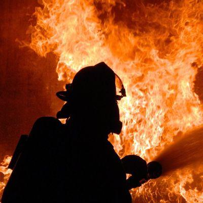 В многоэтажке Киева вспыхнул пожар, есть жертвы (Фото)