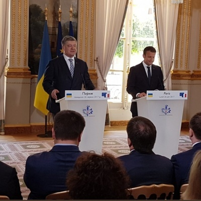 Порошенко хочет привлечь французов в переработку мусора в Украине