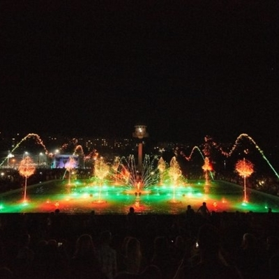 В Умани открыли самый большой светомузыкальный фонтан (видео)