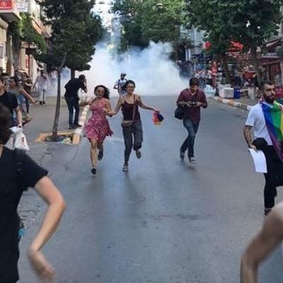 Полиция Стамбула разогнала гей-парад (фото)