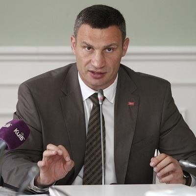 Виталий Кличко рассказал, почему дорожники Киева работают в круглосуточном режиме