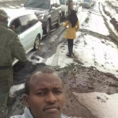Жители Кении поражены выпавшим снегом (фото, видео)