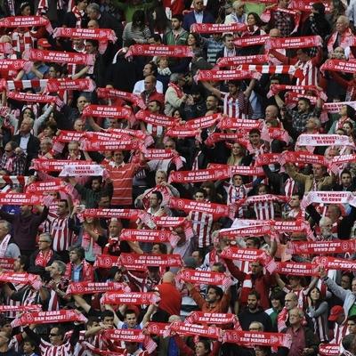 Футболисты испанского «Атлетика» побрились налысо в поддержку болеющего раком одноклубника