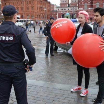 В РФ задержали более 130 активистов из штаба Навального