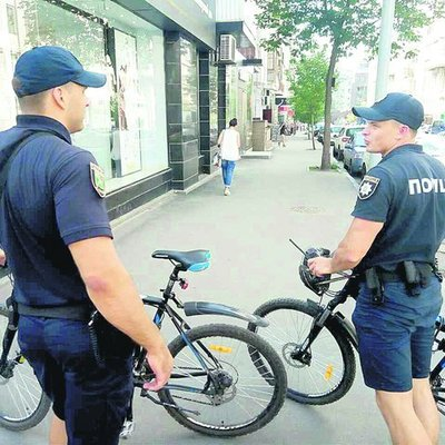 В Харькове велокопы удивляют прохожих и пугают водителей (фото)
