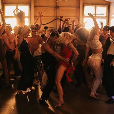 MONATIK презентовал клип с грязными танцами (фото, видео)