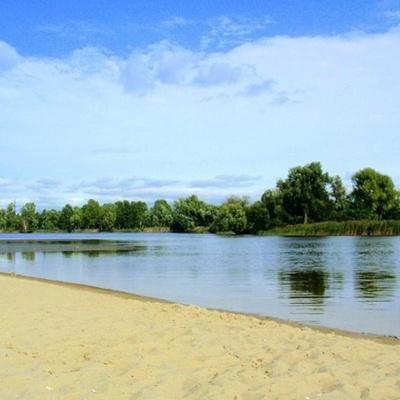 В Киеве официально признали опасными десять пляжей