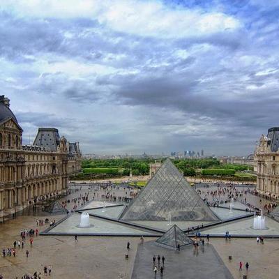 Три гениальные картины в Лувре пострадали из-за парижских ливней