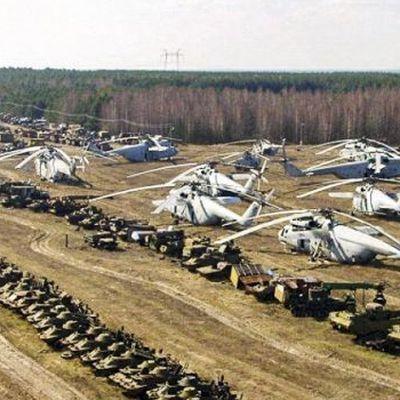 Кладбище техники в Чернобыле (фото)