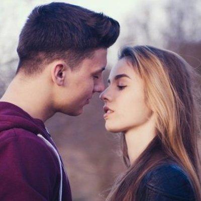 Повод чаще целоваться: польза поцелуев