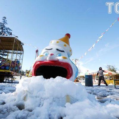 Столицу Чили накрыло снегом: есть жертвы (фото)