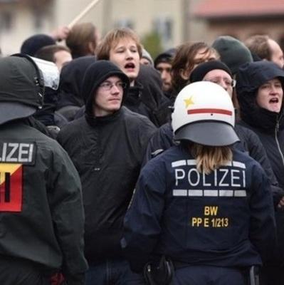 В Германии около тысячи молодых людей устроили погромы