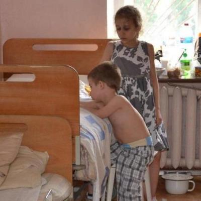 Десятки детей героев АТО отравили неизвестно чем (фото)